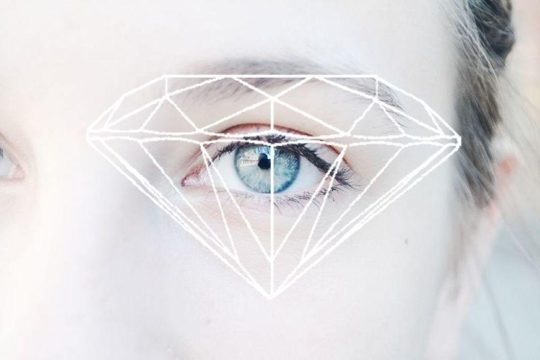 Chilling Eyes Blue Shine Bright Like A Diamond