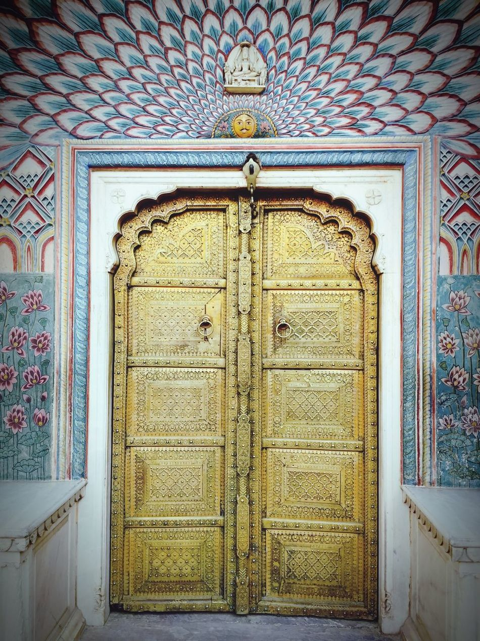 What lies behind this ... may be a dream or a reality as good as a miracle... Surrealism WOW Door Pattern Built Structure Entrance Architecture Travel Destinations Tranquility Travel Photography Art Miracle (null)Amazing Amazing Architecture Detailing Skills  Beautifulthings EyeEmNewHere