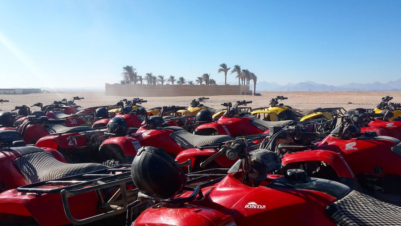 Photography Photo Photographer Photography Photooftheday Red Beachbuggy Black Dessert Sand Sun Brown Yellow Blueskies Blue White Pulm Tree Good Hurghada Egypt Safari Adventure Happyholiday First Eyeem Photo Mountains And Sky