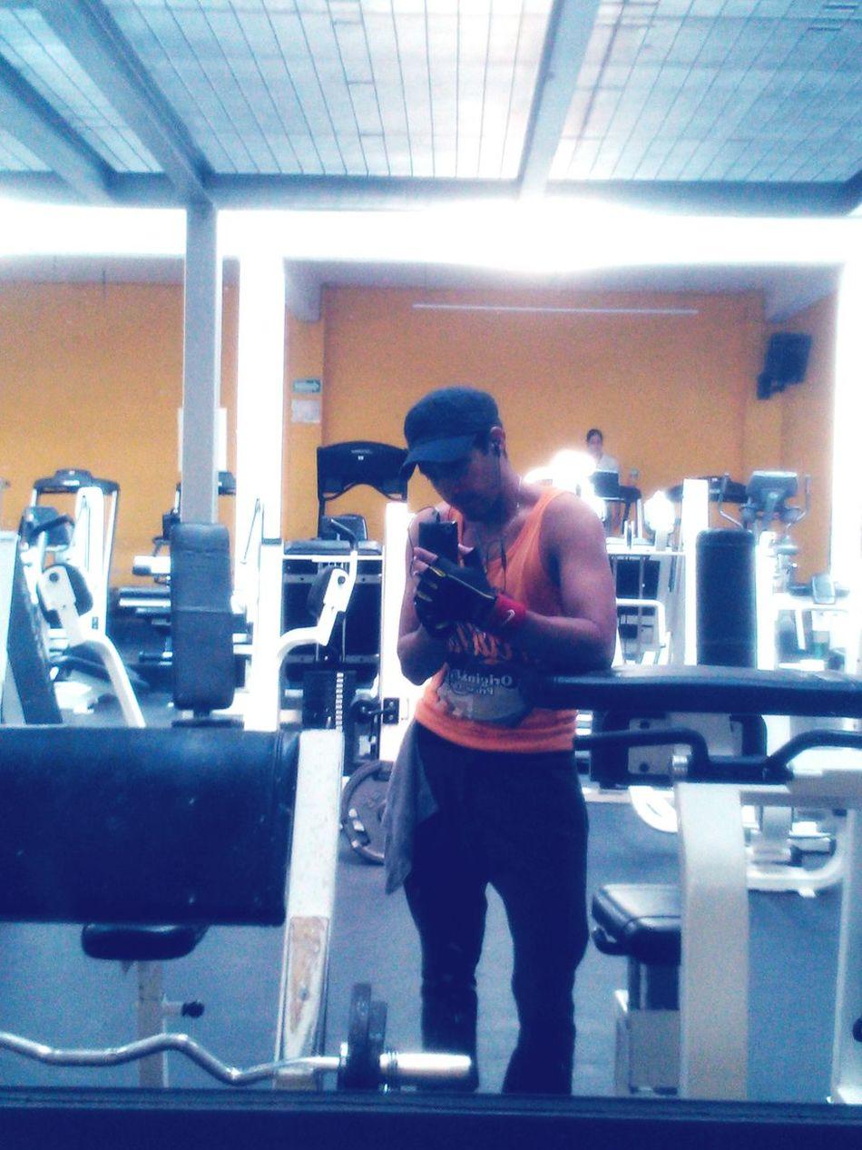 Hoy toco brazo y oblicuos. GymTime Selfiegym Fuerza UnPocoMás