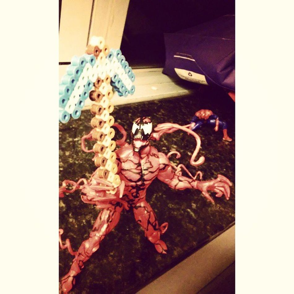 Even carnage loves diamonds! Marvellengends Sohappy Minecraft Pickaxe Carnage Spiderman Figurecollecting Diamondsareforever Crossover