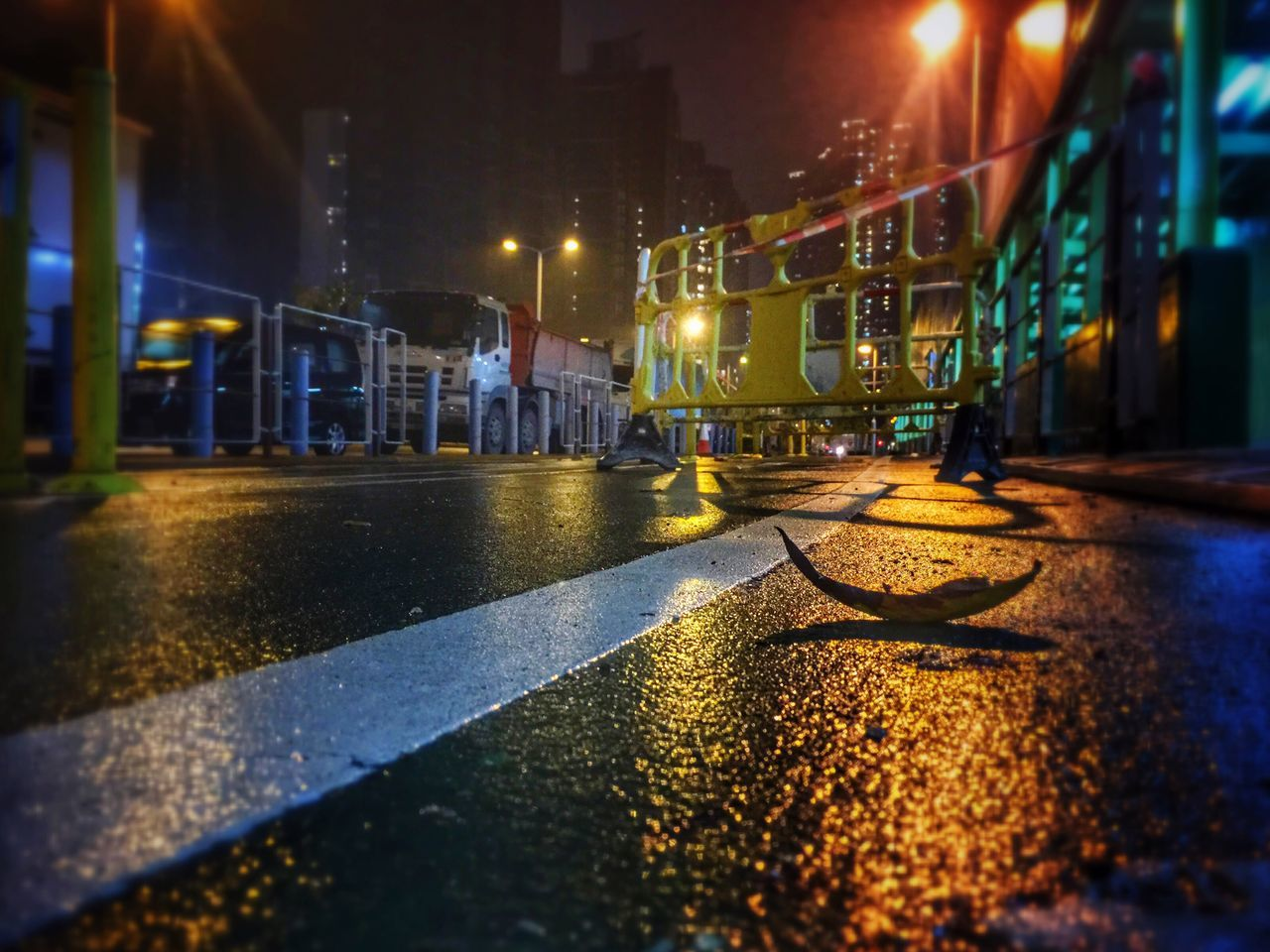 Streetphotography Street Light And Shadows Light Road Sign Road Light In The Darkness Light And Shadow Reflections Reflection Night Lights City Night Lights Night City How Do We Build The World? Leaf Leaf 🍂 Rain Rainy Day