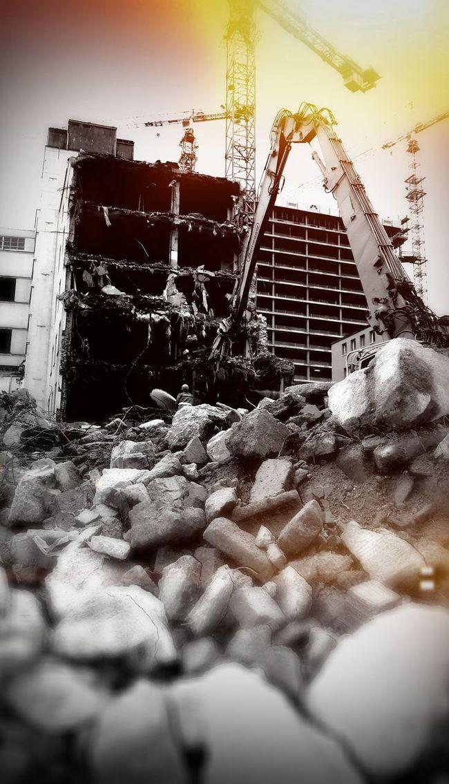 Demolitionof Building Linz Stone Wall Stone Cranes Cranespotting Crane Linz/Austria Arbeiterkammer Distruction Destroyed