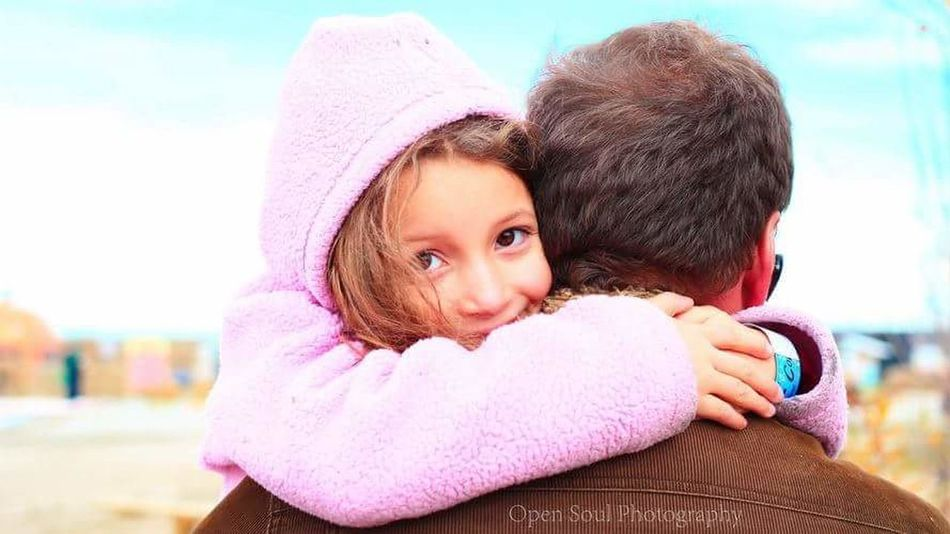 Fatherhood Moments Childhood Togeather Peoplephotograpy People Of EyeEm Beautifulgirl Canadian Girl People EyeEm Gallery This Week On Eye Em Father And Daughter Love Hug