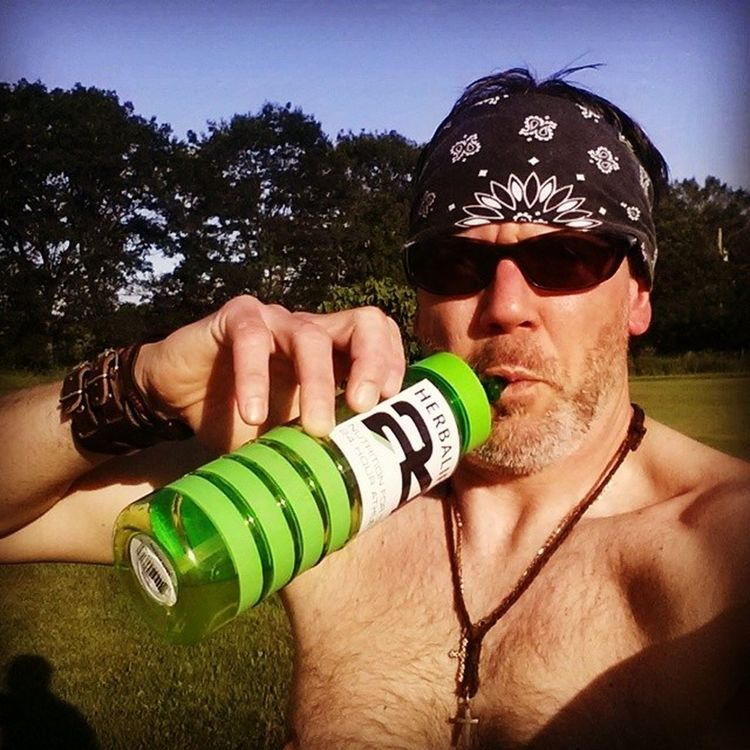 Replenishing myself with plenty of fluilds after a 4 wk assessment. Run a mile,,, one minute with as many pushups & situps you can do. I am 24 fit!! With Rockon24fit !Fitness Workout Hardwork 24Fit Herbalife ICAN Goals 110 %