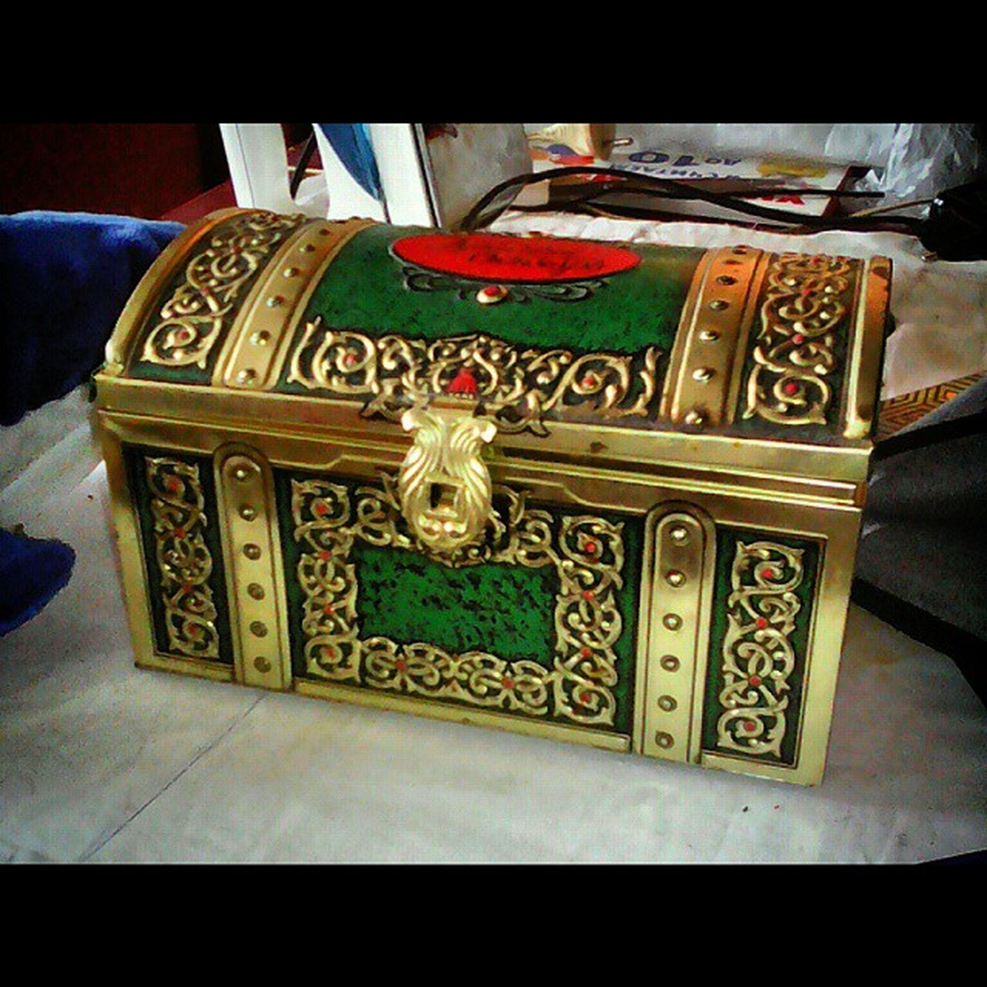 Squareinstapic СундучокДляРукоделия ПодарокОтКрестной Сундучок Рукодельницы МилостиПриятности ОтКрестной RedOctober Present Gift
