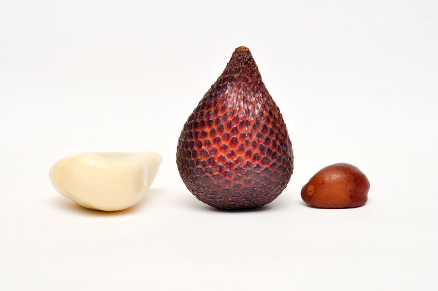 Salak/Snake Fruit Studio Shot White Background No People Close-up Day Salak Salak Fruit Fruit Snake Fruit Snake Fruits Healthy Fruit ASIA Asian  INDONESIA Indoors