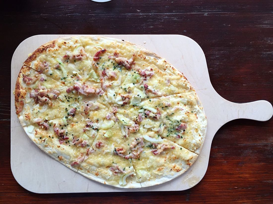 Tarte Flambee Tarte Fresh Food Foodphotography German Food Flammkuchen Traditional Fromage Blanc Creme Fraiche Onion Vegetables Lardons Meat Cooking Eating Wooden Table Cheese Herbal Herbs Bread Dough Dough Germany Lunch