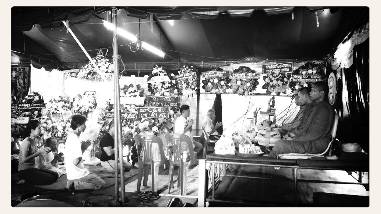 To joint funeral Thai Cultural Funeral Blackandwhite