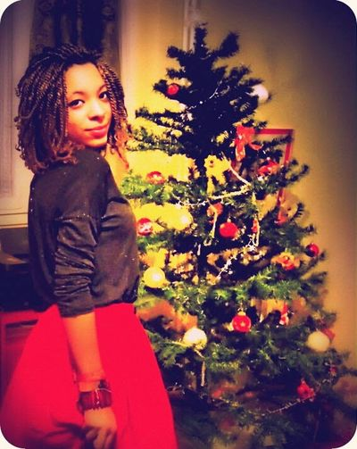 The Culture Of The Holidays Portrait Of Young Girl My Daughter ❤️ My So Pretty Daughter I took this photo 3 years ago, at home at Christmas. I have always loved this photo because she was so in accordance with the colors of Christmas. Conflans-Sainte-Honorine France
