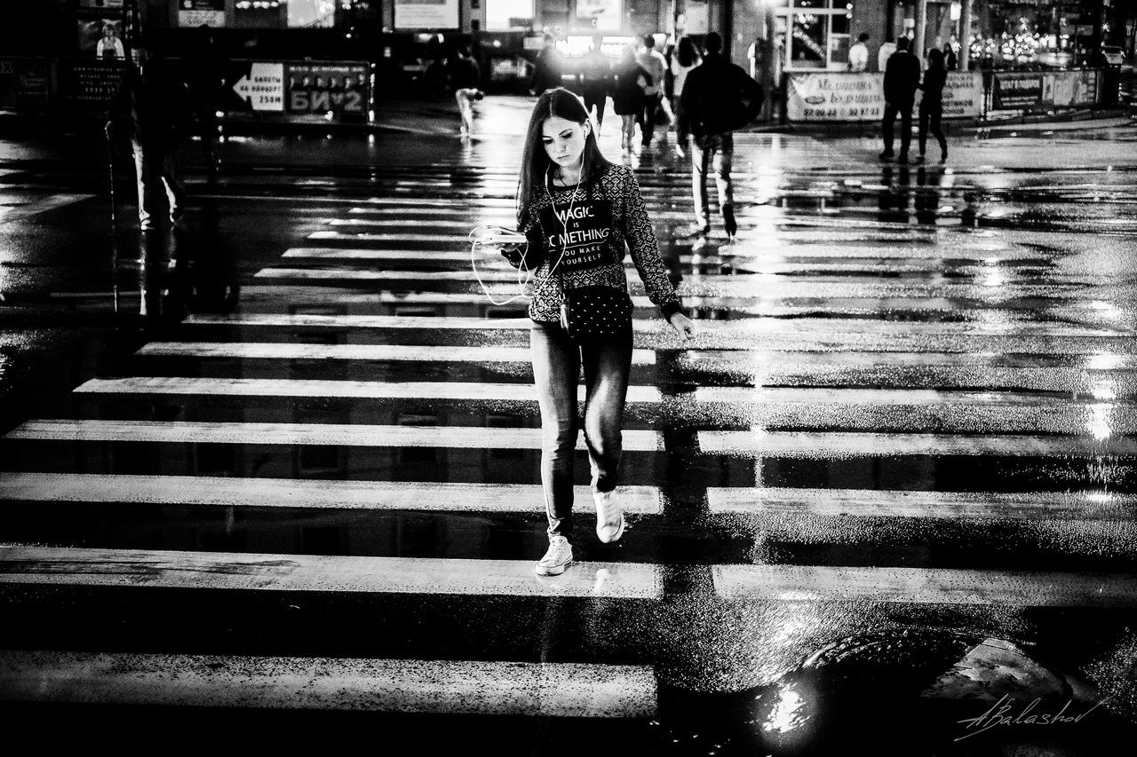 Kaliningrad Fujifilmru калининград Fujifilm X-Pro1 35mm Streetphoto_bw Photography Photoreportage фоторепортаж Streetphotography улица39 Girl