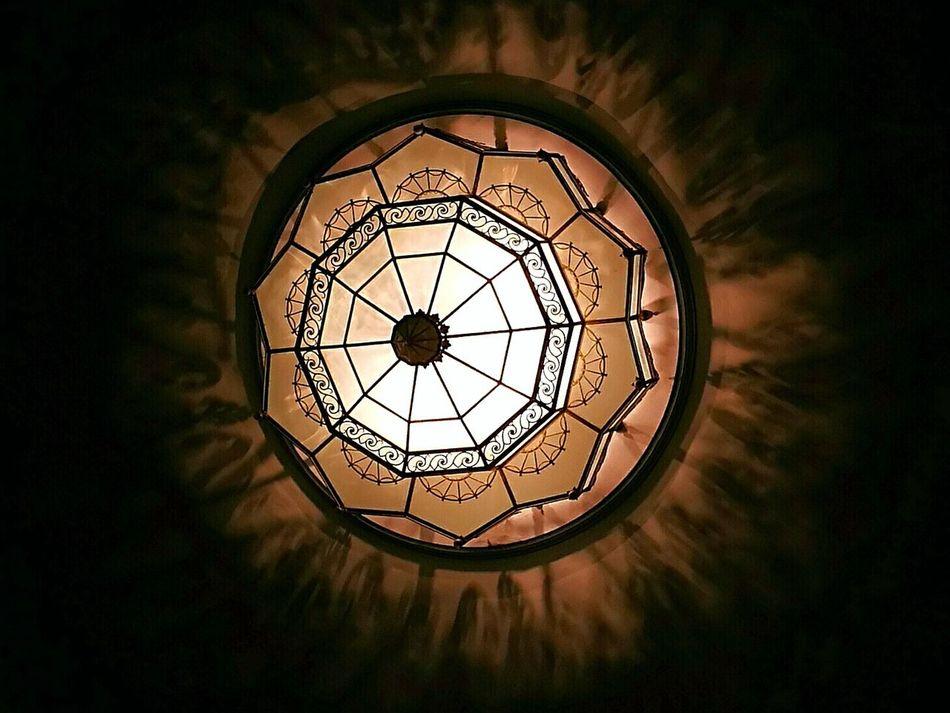 Light And Shadow Indoors  No People Circle Architecture минимализм Minimalism Minimal Light Theater Eisenach Россия Люстра Светильник свет и тень