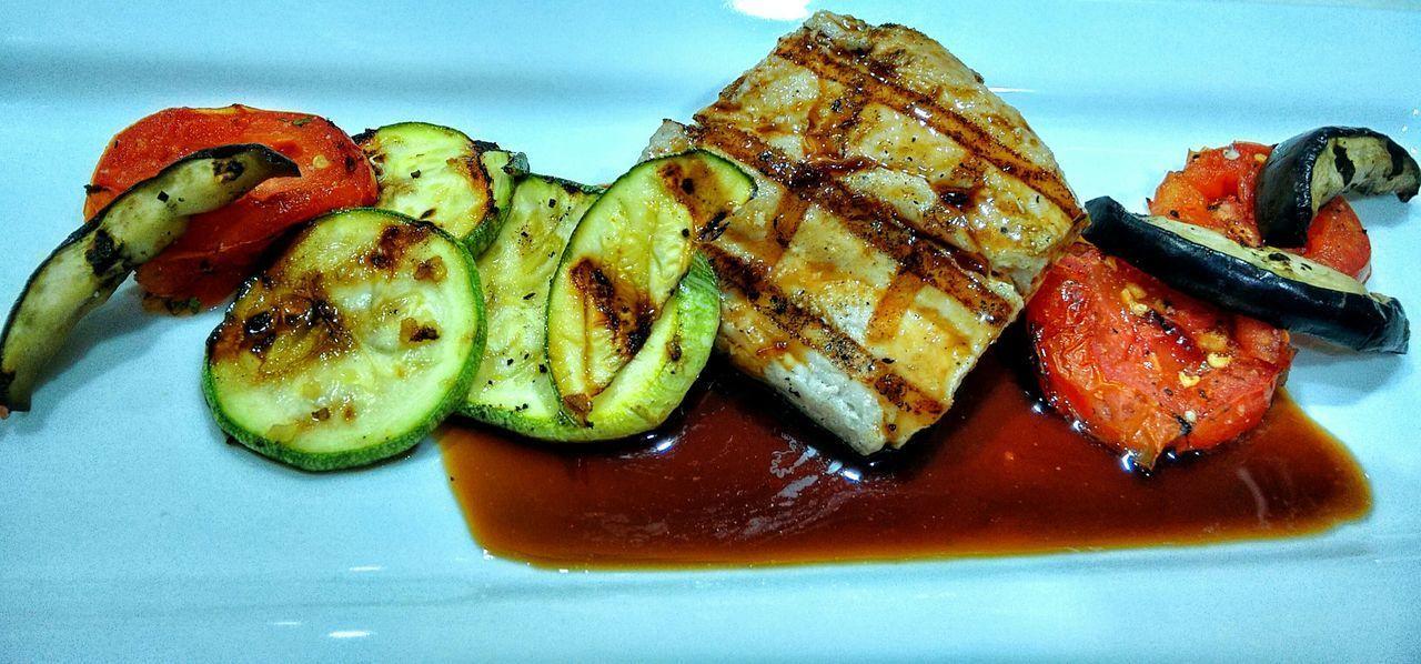 Grill Vegetables Bone Fish Grill Dorado Fish Salsa De Vino Blanco Con Caramelo