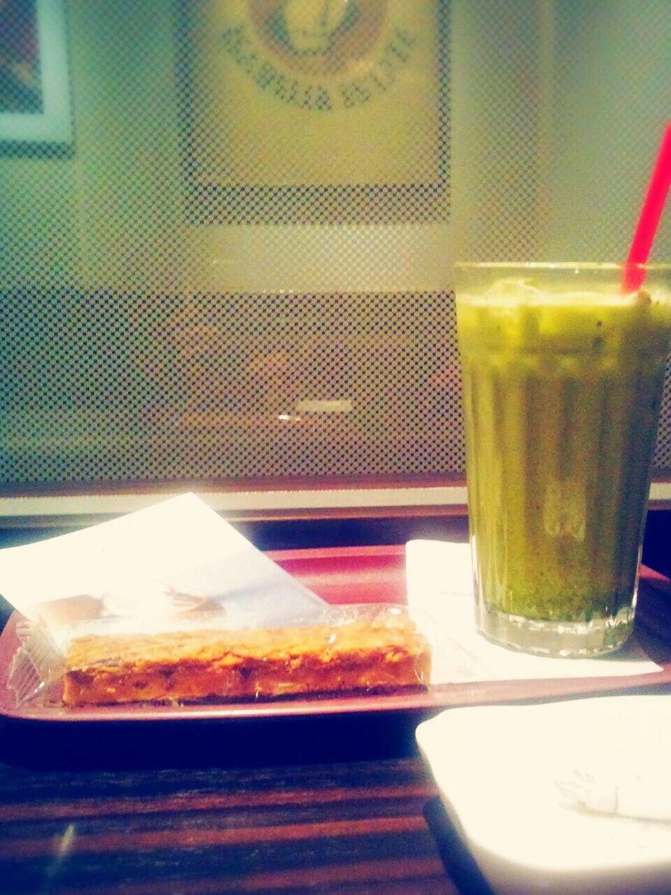 今日はエクセルシオール☕💭💕 Matcha Latte Coffee And Cigarettes Enjoy Time EXCELSIOR