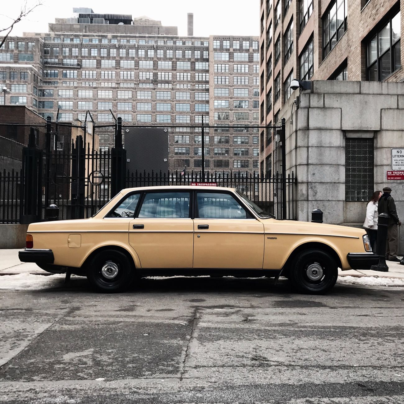 #classic #volvo #manhattan #winter2017 #timyoungstudionyc #timyoungiphoneography