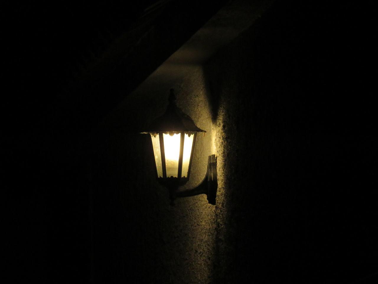 illuminated, lighting equipment, glowing, electricity, indoors, darkroom, no people, dark, night, light bulb, close-up, black background, technology
