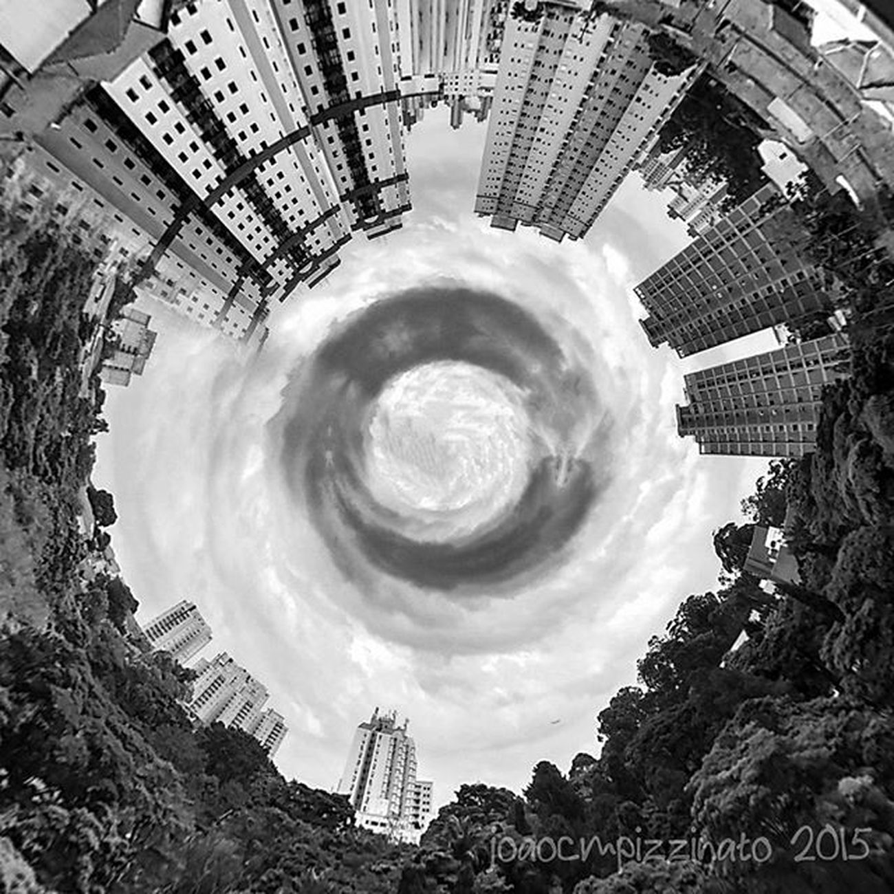 Tinyplanetfx Planet Neighborhood Streetphotography urban streetphoto_brasil blackandwhite city zonasul saopaulo brasil photograph edited effect photography