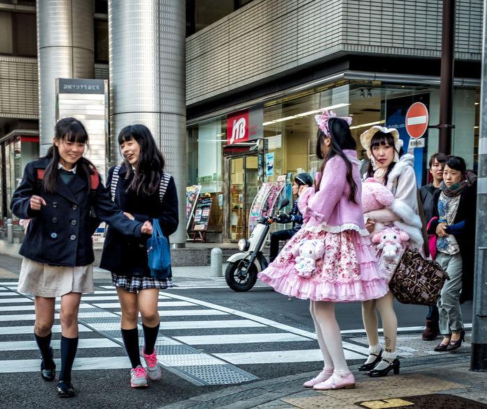 Pairs of Fashion Japan Japanese  Japan Photography Street Streetphotography Colorphotography Street Fashion Streetstyle Fashion Style Candid City Urban Pink Girls FujiX100T Cooljapan ASIA