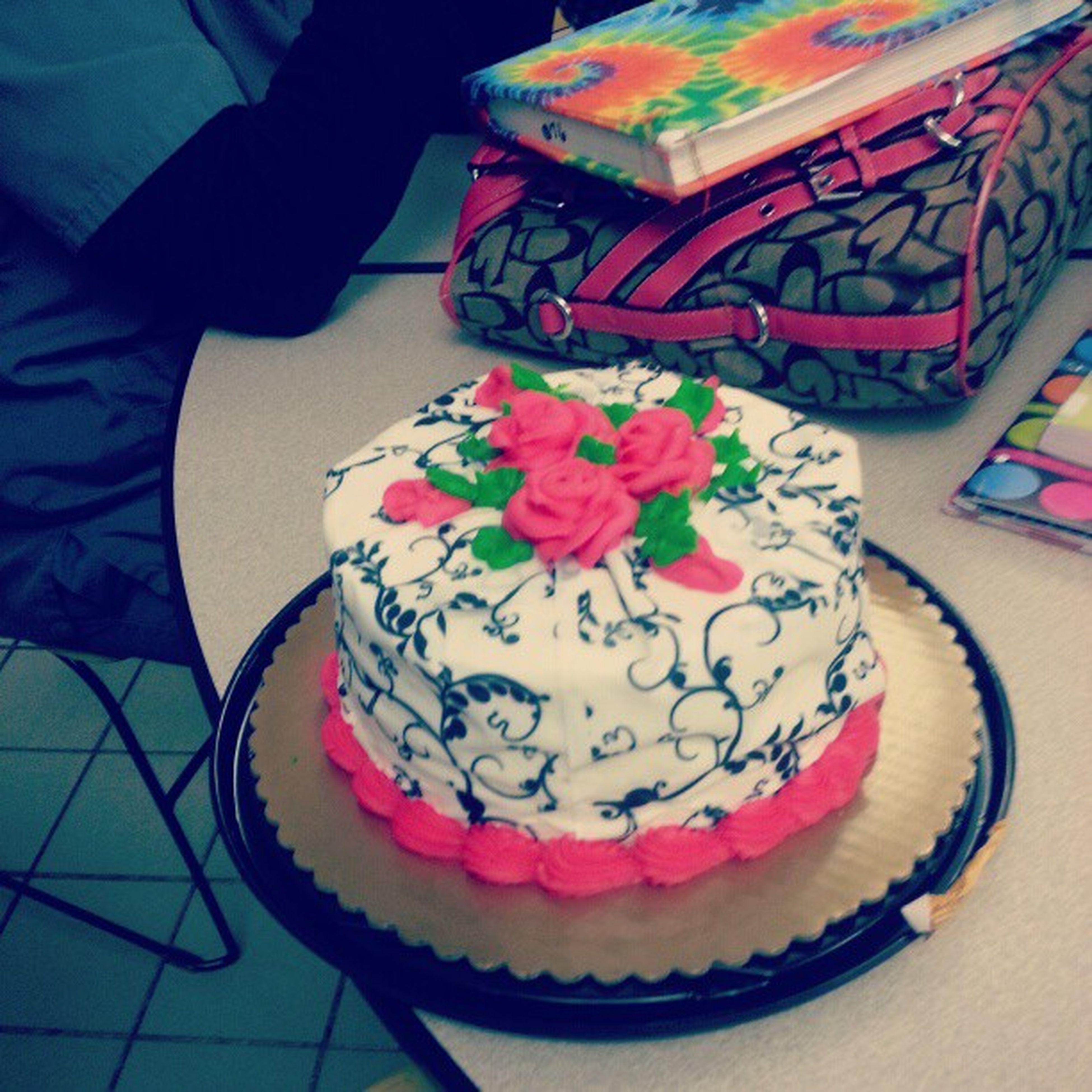 Shainas Cake