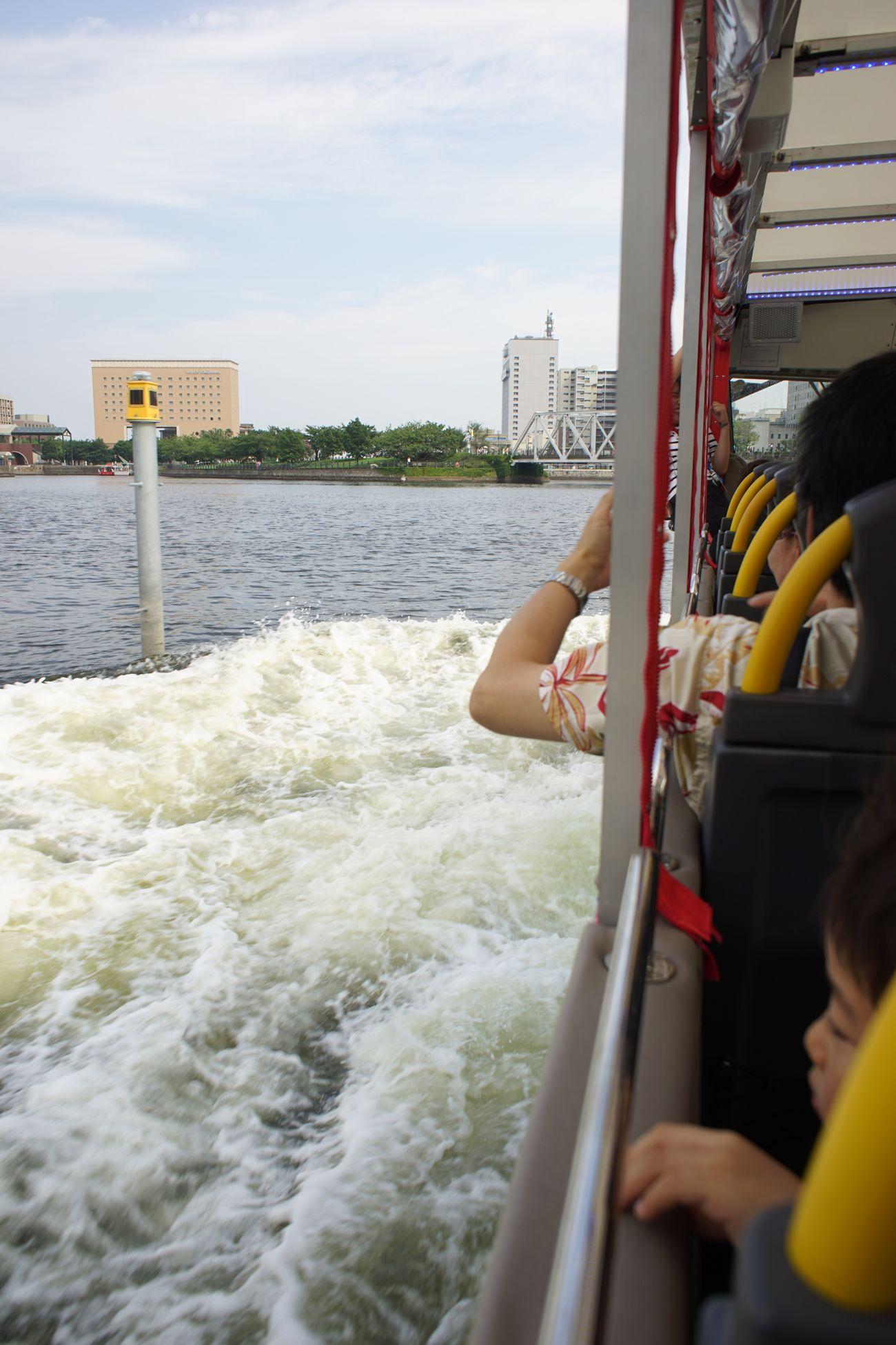 ざっぷぅ〜〜ん🌊っと進水‼ Yokohama Watching - Sky Duck Yokohama Watching Sky Duck Splash Amphibiancar Enjoying Life I ❤️ Yokohama. City Life The Purist (no Edit, No Filter) Snapshot Taking Photos Walking Around お写ん歩