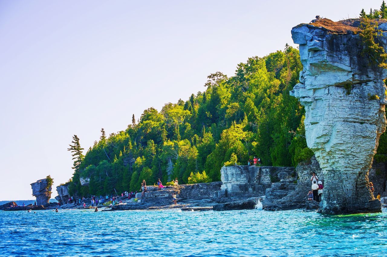 I wish I could say that this place was a hidden gem but it felt like pretty much everyone in the country took the boat cruise to the Flower Pot island from Tobermory, Ontario! Nonetheless, it's still a fantastic place with crystal clear water all around and beautiful geological formations. Tobermory Ontario Flowerpotisland Island Rock Formation Canada Nature_collection Nature On Your Doorstep Showcase July Travel Photography Fujifilm Amazing View Travel Destinations Naturelovers Boat Cruise Waterscape Sunny Day Swimming