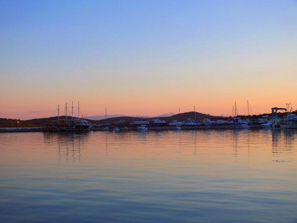 Bestoftheday Sunset Orangeandblue Water Reflections Lifeisbeautiful Photography Sea And Sky