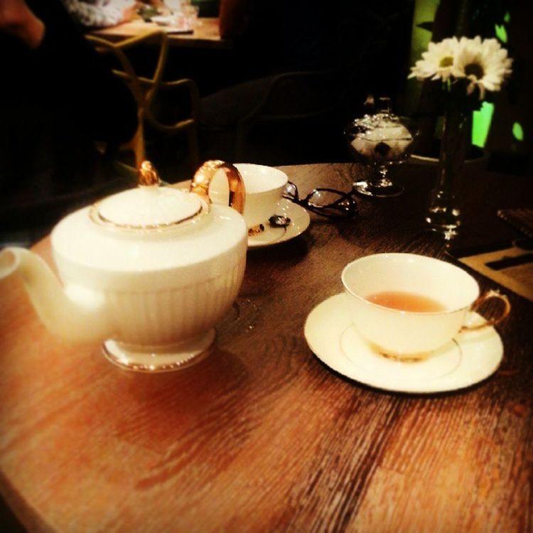 @asliimir ile 5 caylarimiz hep cok tatlidir:-) Friends 5oclocktea Joy Happy Demkarakoy Drink Tea Caykeyfi