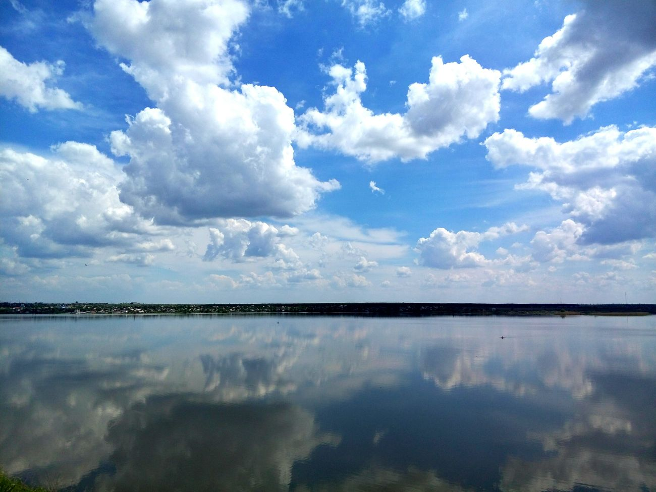 Look at the mirror Sea And Sky Beauty In Nature Naturelovers Sea Feel The Journey Cloudporn Nature Photography Enjoying Life Ukraine Horizon Clouds And Sky Landscape Amazing Nature_collection No People Nikolaev Clouds Travel Nature River Water Photooftheday Gorgeous The Journey Is The Destination Color Palette