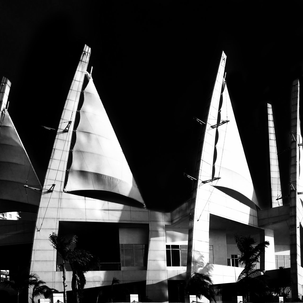 The Black Parade Architecture No People Architecture Blackandwhite Architectural Detail Building Mobilephotography Lines Architectural Blackandwhite Photography Architecture_bw Blackandwhitephotography Mobile_photographer Black&white Urban Geometry Architecturephotography Architectural Feature Diminishing Perspective Geometric Shape Urbanphotography