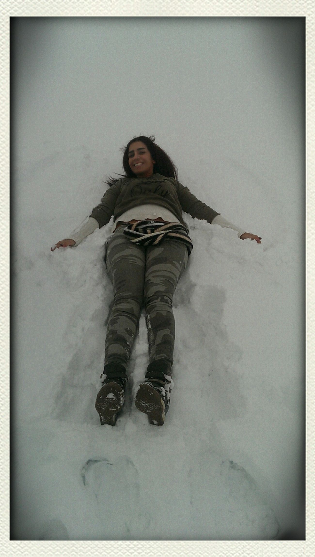 Snow ❄ Fun Laughs Making Snowangels