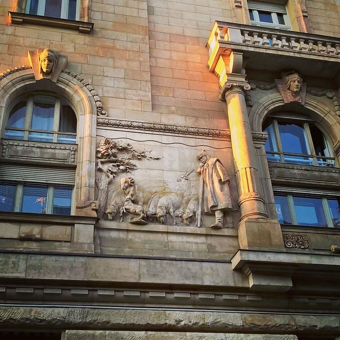 #budapest #lumiaphoto #Morning #sculpture #shepherd #ships #sunny #thegoodshepherd Architecture Building Exterior Built Structure City Day No People Outdoors
