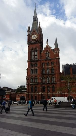 London's Buildings John Nelson Enjoying Life London Architecture Londonlife Johnnelson Tourism Train Station Traveling London Travel Grey Sky St Pancras Station St Pancras