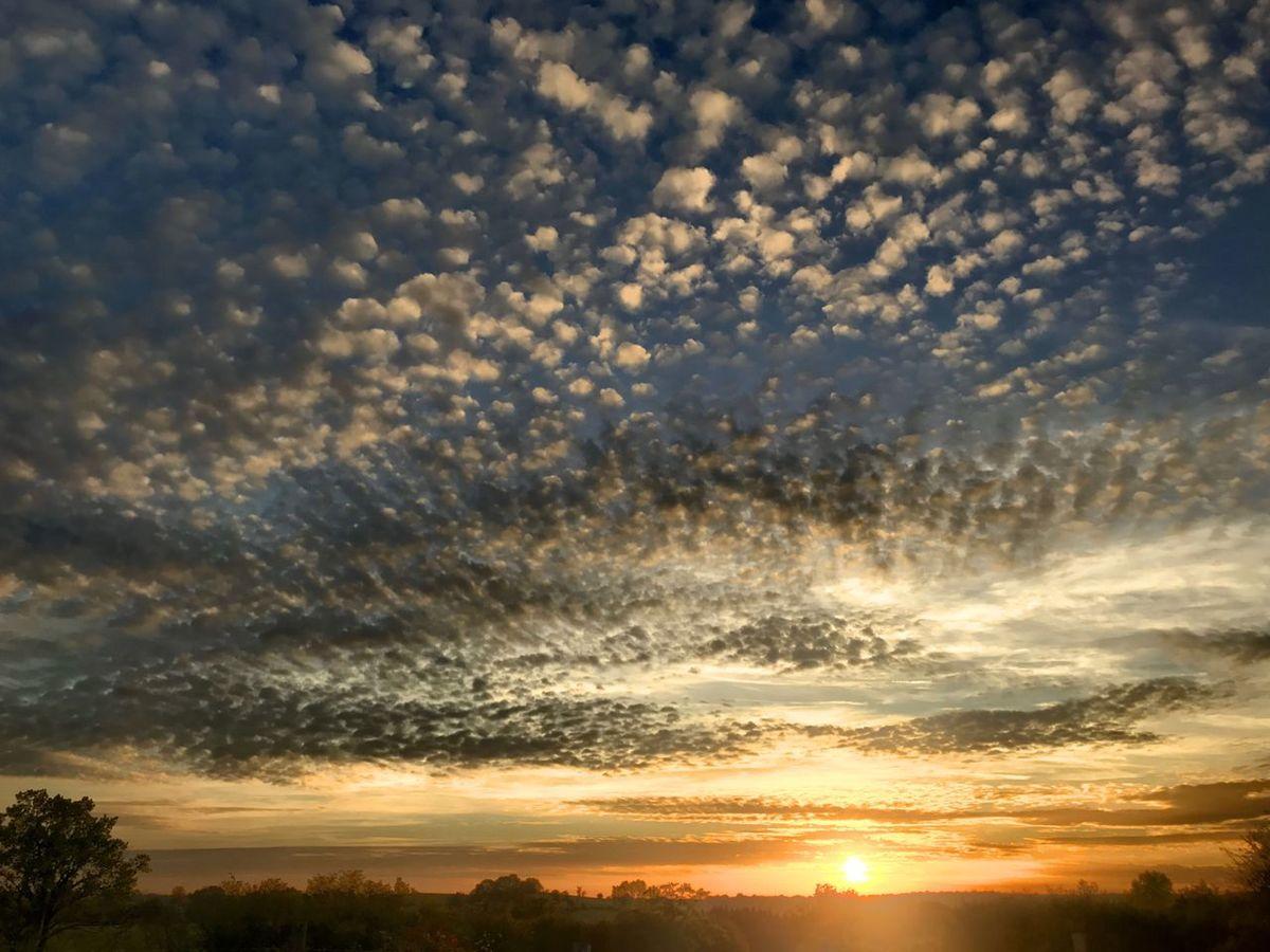 Sunset Beauty In Nature Cloud - Sky Sunlight Dramatic Sky