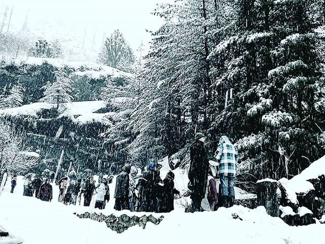 Traveler's love... TBT  L4l Instagramers Instafollow Manali Memories Snow Winter Nature Beautiful Photography Throwbackthursday  Photographylovers Yjhd Wanderlust White Travellove Travel Traveldiary Traveldiarykr7 Incredibleindia India Awesomeearth Theworldguru