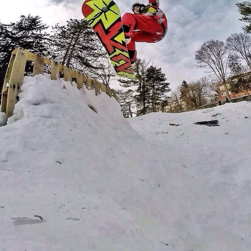 🏂Expanding my skills, and learning how to hit a wall ride at sanitarium hill. -----------------------❄️Hopefully these skills come in handy when I start 📷learning Halfpipe 👌👏 ------------------------Snow Snowboard Snowboards Snowboarden 👌Snowboarder Snowboarding K2 Ride Burton  Burtonsnowboards 🏂Gopro Goprohero Goprohero3 Goprooftheday Goprouniverse Goprohero3plus Winter ❄️ Gopro Goprohero Goprohero3 Goprooftheday Goprouniverse Goprohero3plus 📷