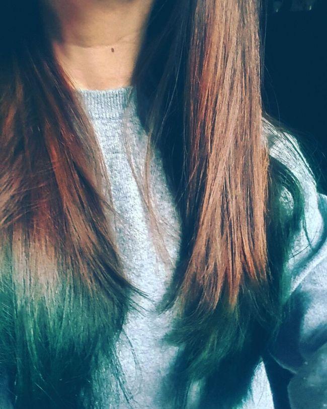 DIY.I did it mysefl this rainny day Colors Hair Long Hair Pelo Mechas Blue Green Girls Look Fashion Tendencia That's Me DIY Beauty Tips Belleza