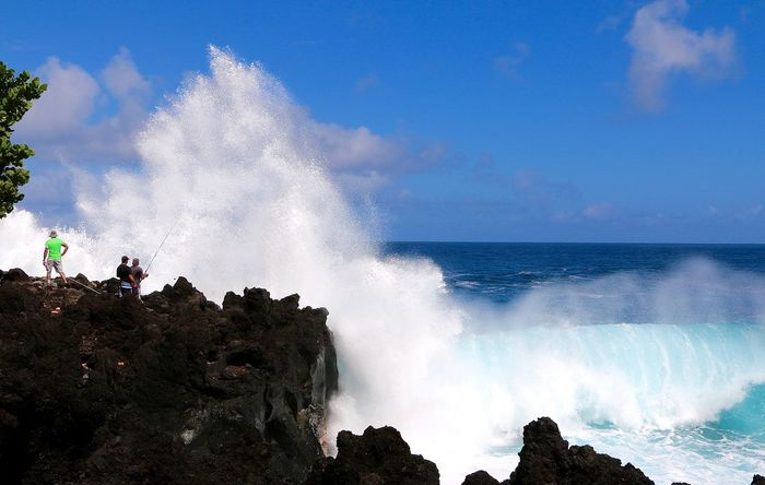 EyEmNewHere Reunion Island Beauty In Nature Blue Breaking Crash Day Force Hitting Horizon Over Water Motion Nature No People Outdoors Power In Nature RISK Rock - Object Scenics Sea Sky Splashing Water Wave
