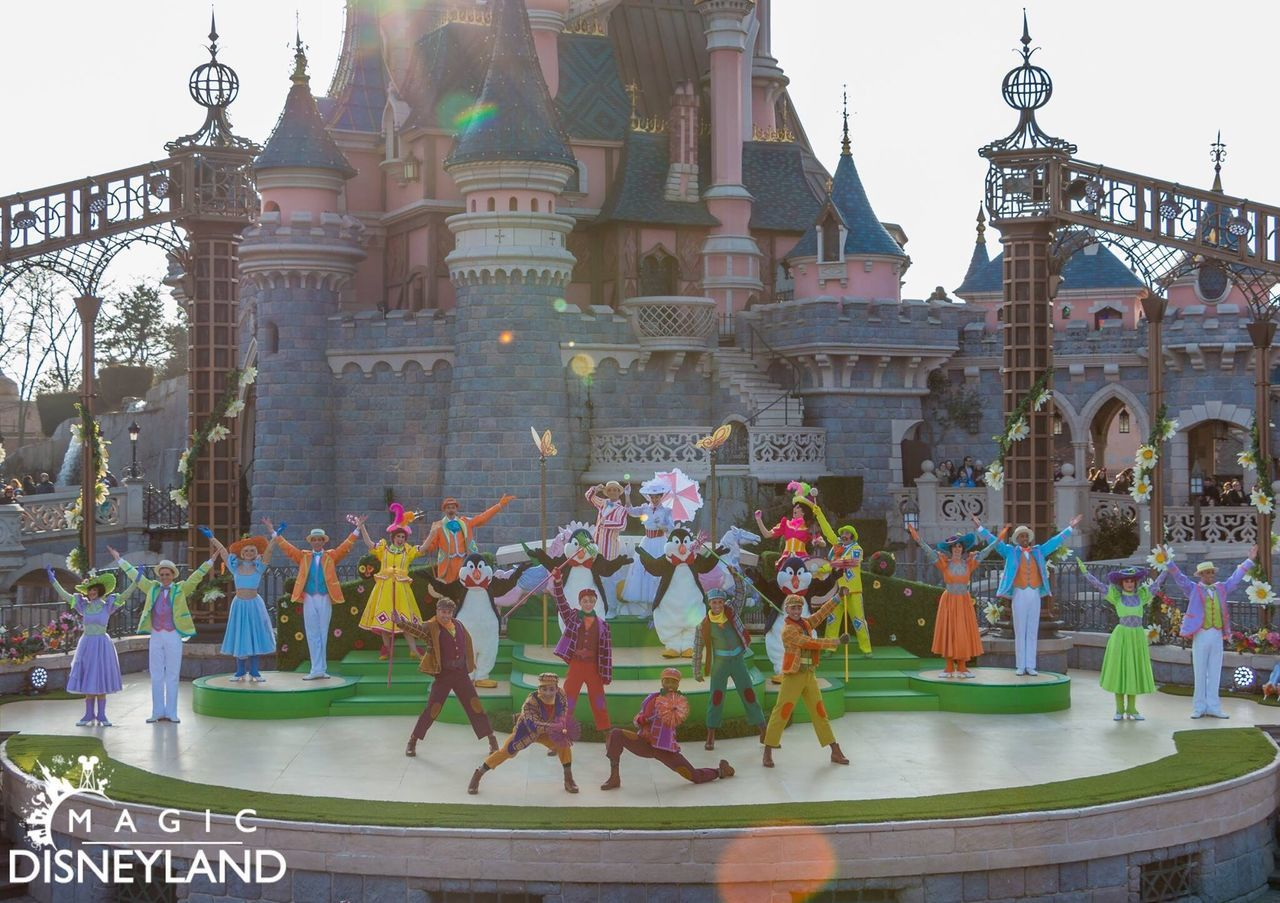 Large Group Of People Men Place Of Worship Marypoppins Waltdisney Hdrphotography Disneyland Paris Disney Disneyland Disneyland Resort Paris Medium Group Of People HDR