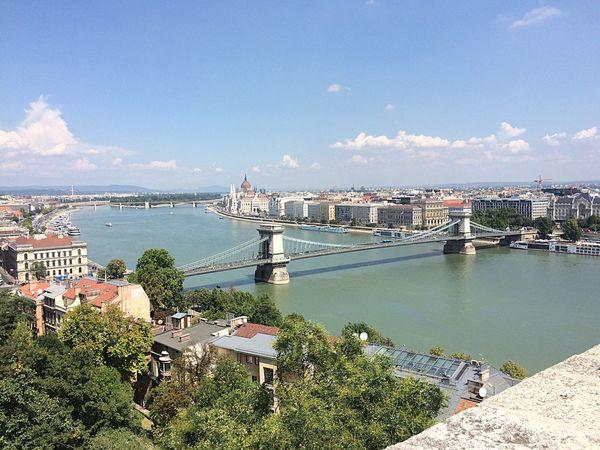 Budapest (Ungheria) Photo Bestoftheday Picoftheday Enjoying Life Enjoy Life Budapest Buda Budapest Love Danubio Bridge