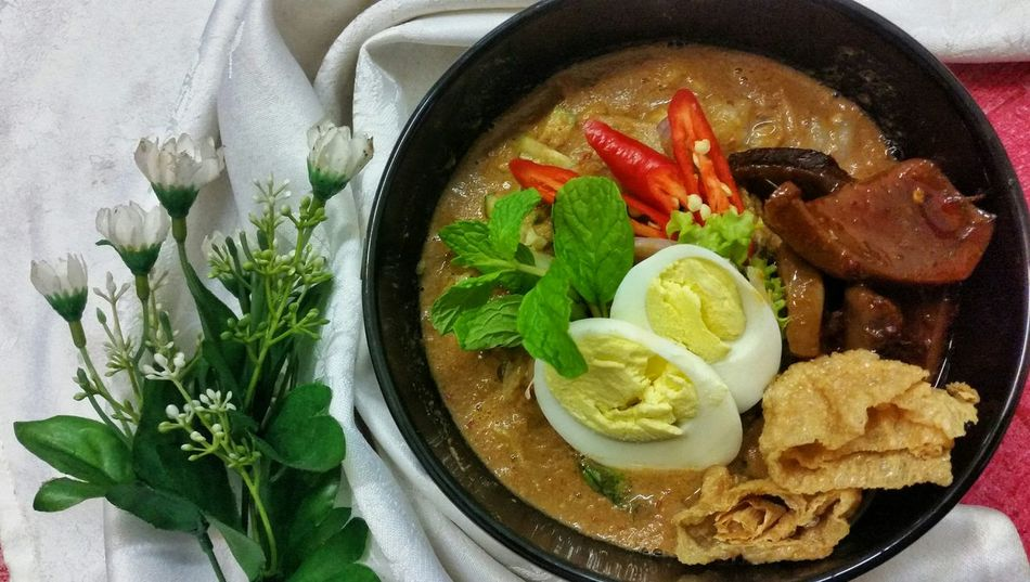 Must Try. The best and the only one LAKSA SOTONG in Ipoh!! Ipohfood Laksa Sotong Yang Terbaik Dari Ladang Musttry  Food Porn Awards Malaysian Food