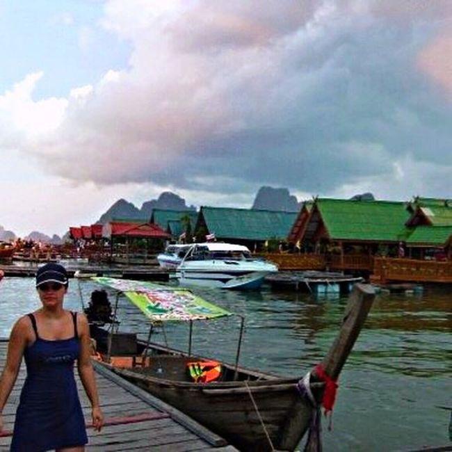 Island hopping in Andaman Sea. Island Life Long Boats Andamanislands Andaman Sea Ocean View Cloudporn #skyporn #beautiful #bestskysever Shot By IPhone6s Plus
