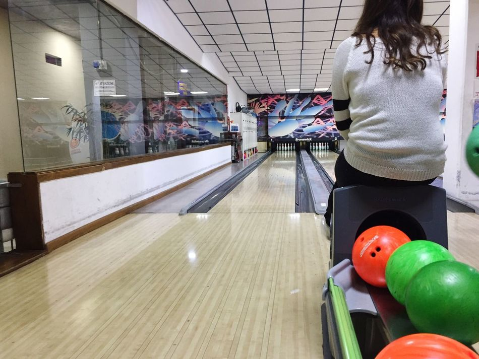 Bowling Playing Floor Person Lonely Alone Watching Happiness Instamood Instamoment
