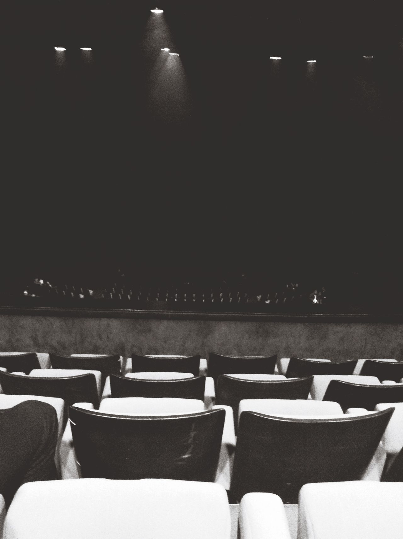 Youhouuuuu !! Alexandre Astier Exoconference Enjoying Life Hanging Out Theater Empty Places Blackandwhite The Minimals (less Edit Juxt Photography) Catching A Show