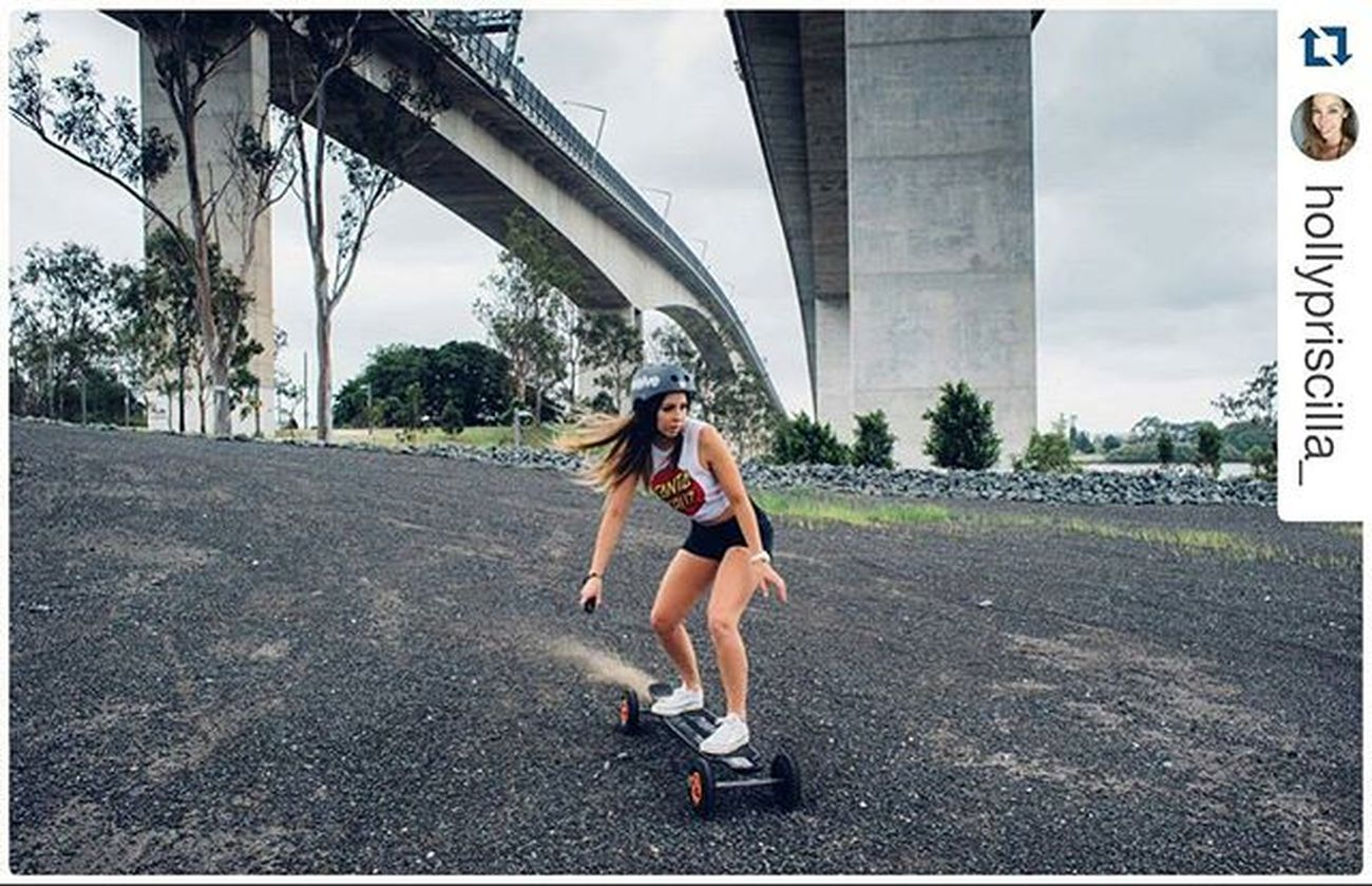 Repost @hollypriscilla_ ・・・ Awesome fun on the Evolveskateboards Carbon AT board! 💯😎 @jkdimagery @evolveskateboards Actionshot Allterrain Electricskateboard Evolvechick Skatelife