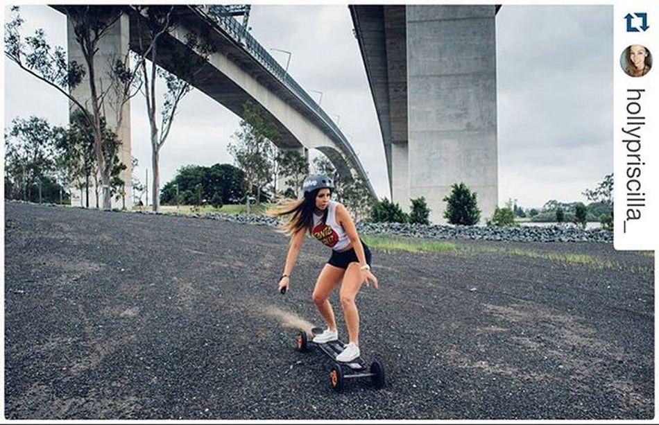 Repost @hollypriscilla_ ・・・ Awesome fun on the Evolveskateboards Carbon AT board! 💯😎 @jkdimagery @evolveskateboards Actionshot Allterrain Electricskateboard Evolvechick Skatelife