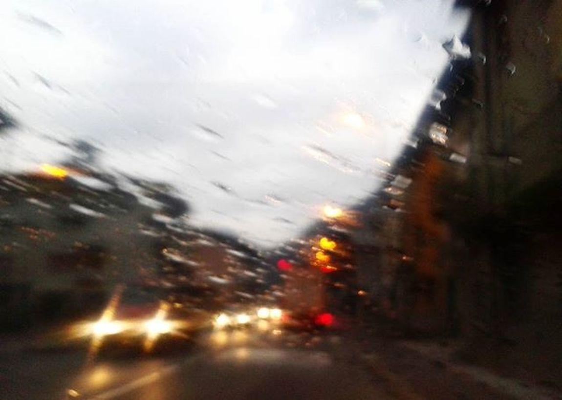 ..idee chiare.. Drops Rain Raindrops Raining RainyDay Water Instarain Pioggia Rainweather My_daily_capture Minimal Amazing Splash Vallebrembana Zogno Instagram Trip Travel Instatravel Travelgram Italyturism Italytravel Italytrip Italytour Italy italylovers