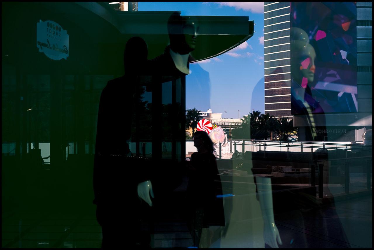 View my website www.mollohanphoto.com if you like these images. Thank you. City EyeEmNewHere Las Vegas Documentary Photography Las Vegas Street Photogra Las Vegas Street Photography By Daniel Robert Mollohan Orginized Chaos Radom Peop Rain Street Photography Streetphotography The Week On EyeEm