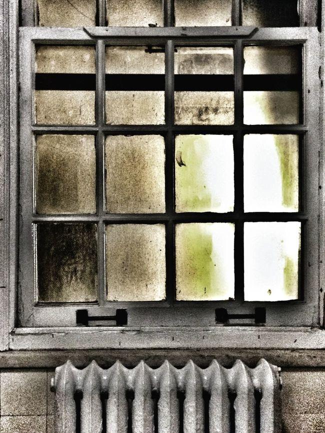 Windowshotwednesday Edit Junkie Grimewindow Bathroom Window