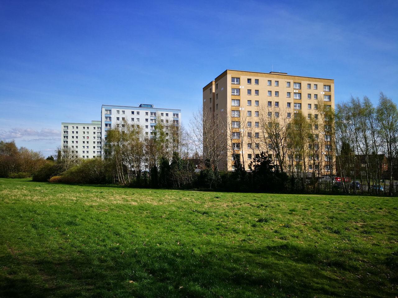 Grass Green Color City Apartment Building Exterior Flats High Rise Sky Blue Day Names Clem Attlee Winston Churchill Hugh Gaitskell Wolverhampton Uk EyeEmNewHere Sunlight
