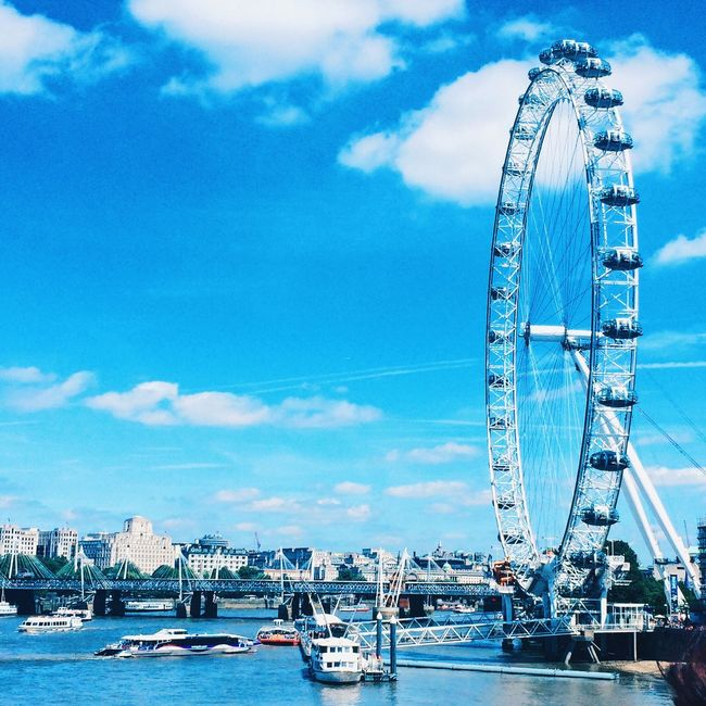 ondon London London Eye River Riverthames Thames Citycenter Center Downtown Summer Day July England Clouds Tourists Blue Boat Boats View Buildingd´sa:happy] Sunny Enjoy